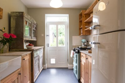 Reclaimed pine offshot kitchen - Sheffield Sustainable Kitchens