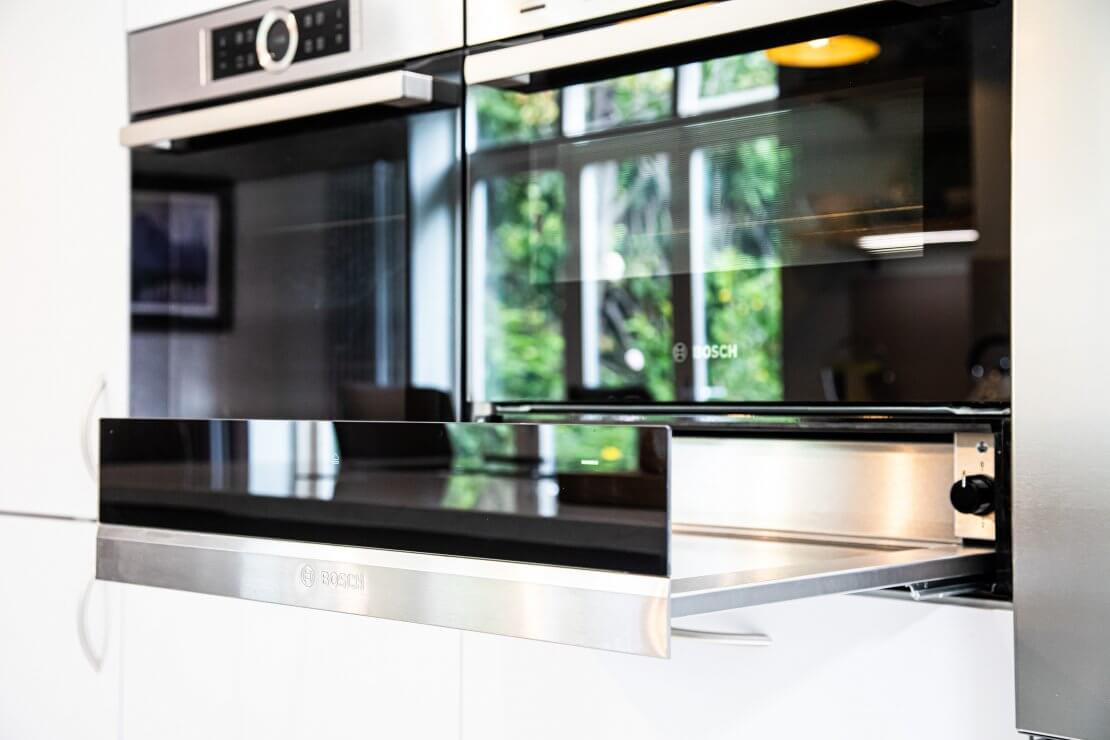Bosch warming drawer and oven in Sustainable Kitchen