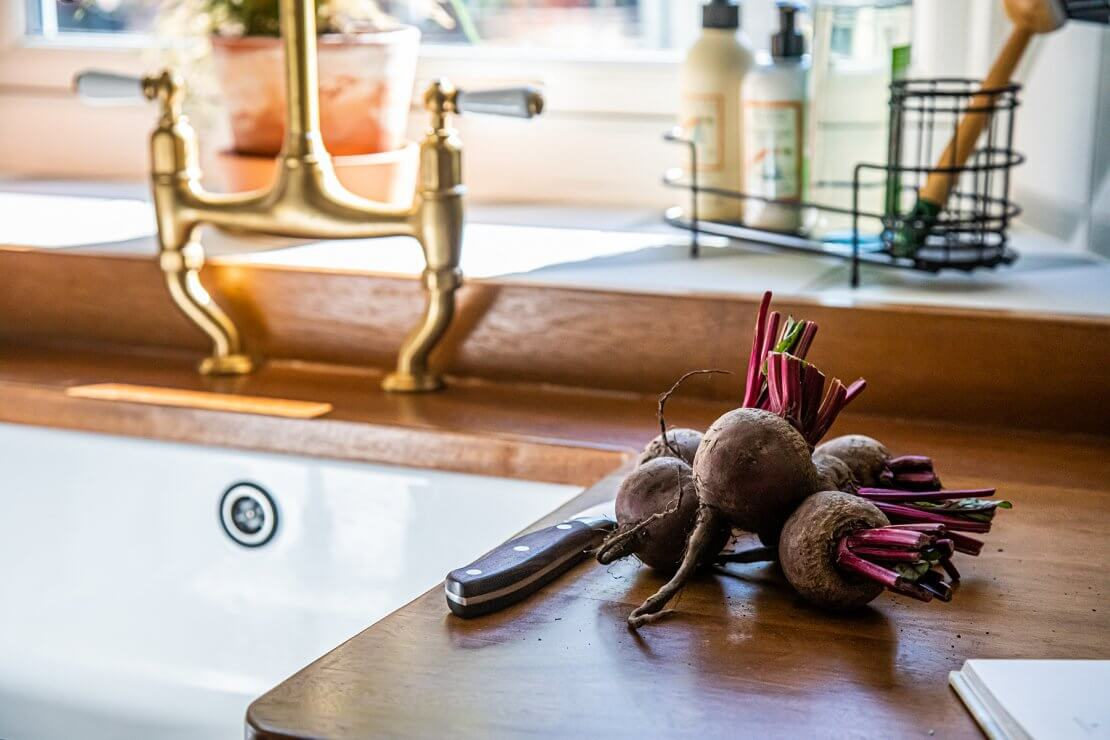 reclaimed-timber-worktop-with-sink-and-veg-prep-area